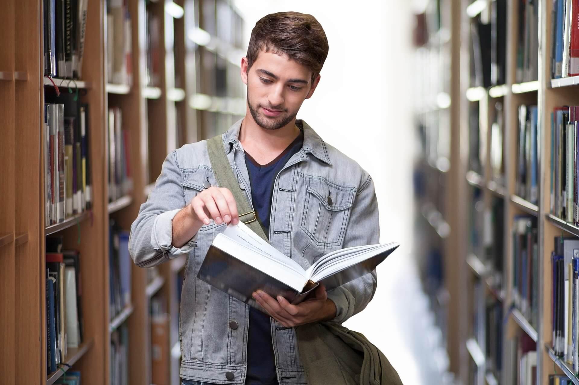 Mit einem Studentenkredit auf das Studium fokussieren